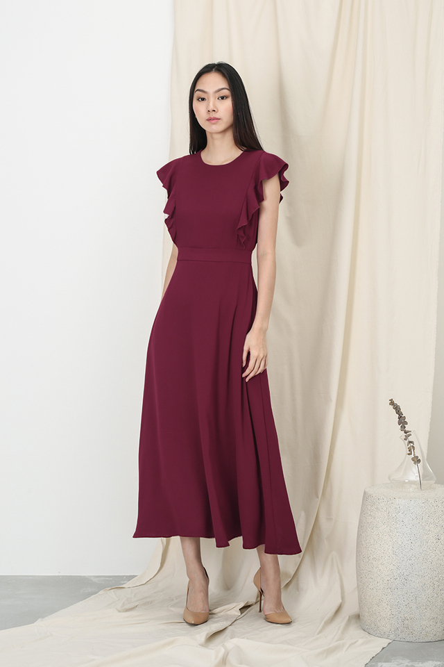 ANNE FLUTTER SLEEVE DRESS IN WINE