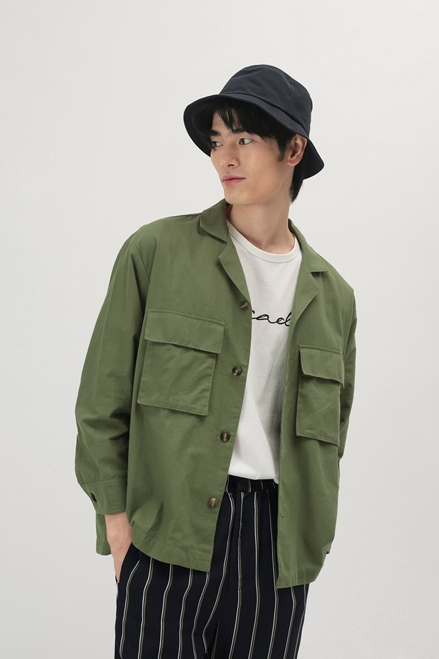EZRA CAMP COLLAR POCKET OVERSHIRT IN FIELD GREEN