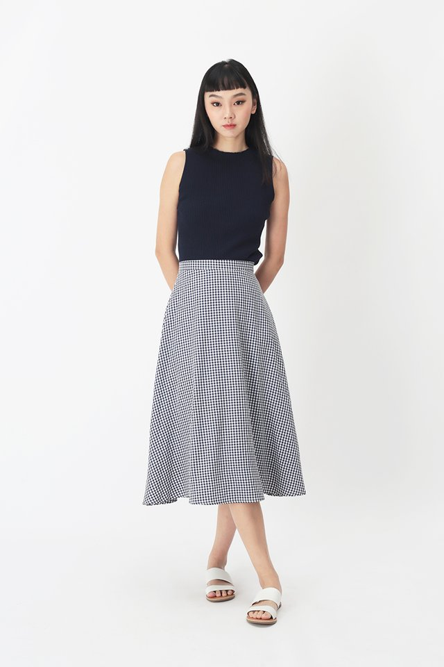 EVE GINGHAM SKIRT IN NAVY