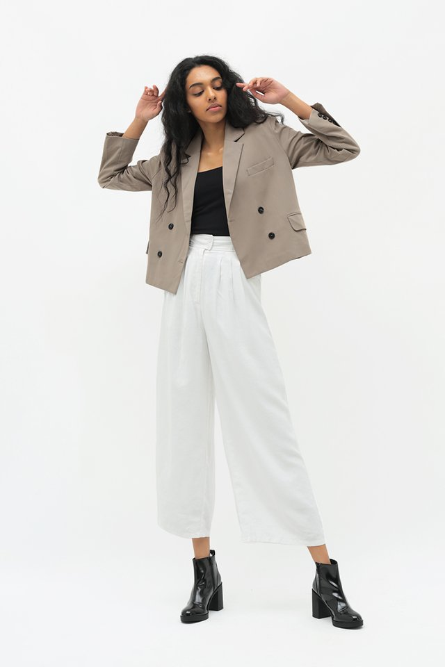 MARTIN CROPPED BLAZER IN TAUPE