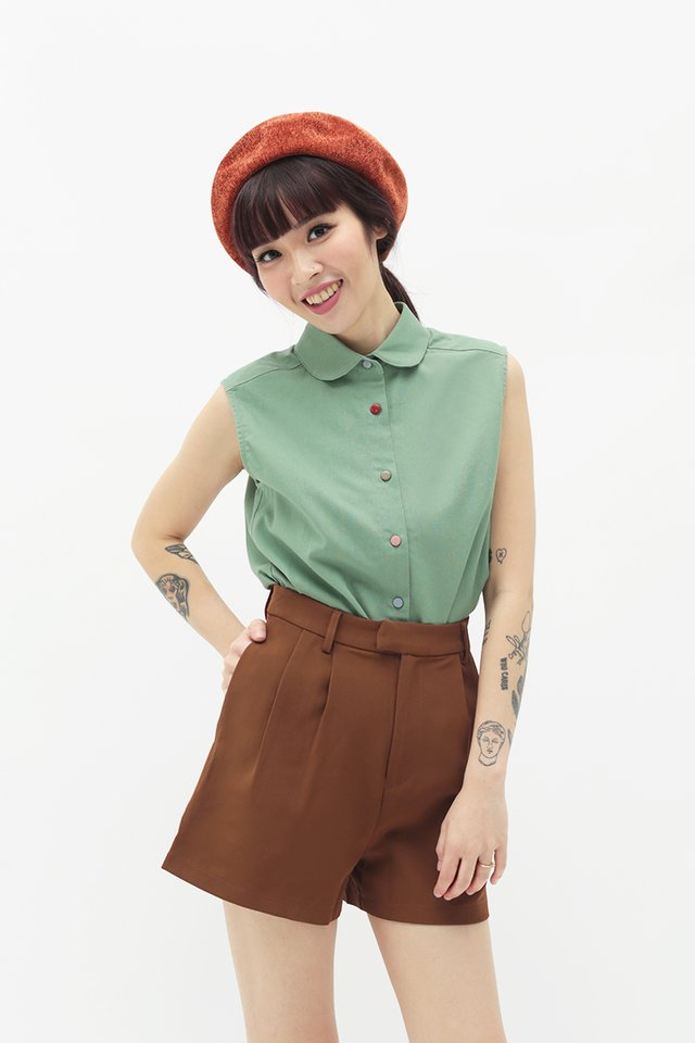 CUTE AS A BUTTON BLOUSE IN PINE