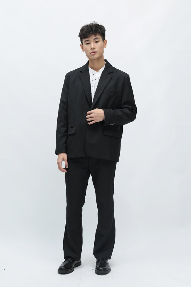 PRESTON STRAIGHT-CUT BLAZER IN BLACK